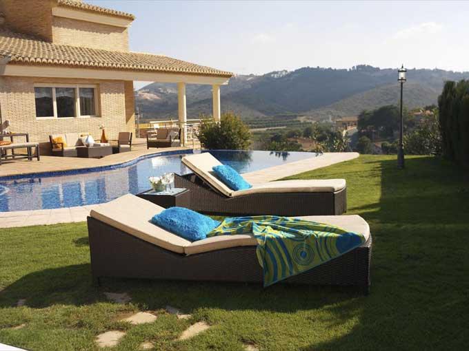 Promoción 60% de descuento en muebles de jardín