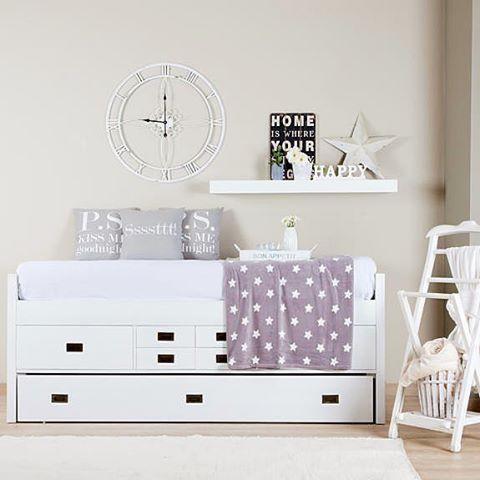 Hoy nos despedimos hasta maana con este dormitorio decorado enhellip
