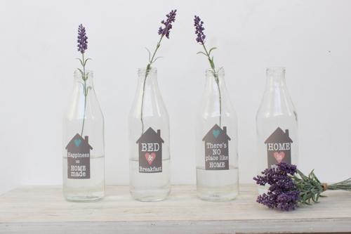 botellas decoradas y lavanda