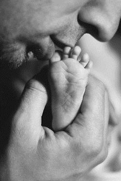 papi con pie de bebe